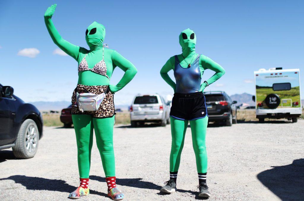 Зона 51 - пародия на хората, които вярват, че има извънземни там